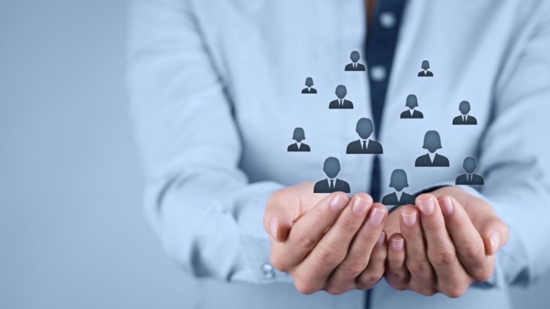 <p>Το πελατολόγιο της εταιρίας περιλαμβάνει ένα μεγάλο αριθμό ιδιωτικών επιχειρήσεων, αλλά και δημόσιων φορέων. Δείτε περισσότερα</p>